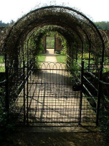Pgds 20071207 142921 Entrance To Kitchen Garden