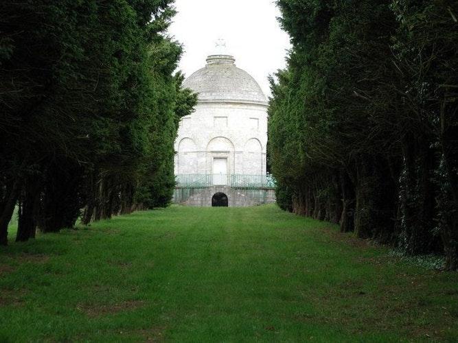 Pgds 20140723 211919 The Constable Mausoleum Halsham   Geograph Org Uk   186737