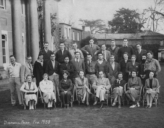 Pgds 20160121 123842 Group Photograph At Digswell Park 1938